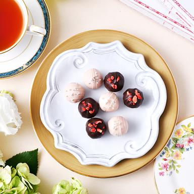 苺ミルクチョコレート&ストロベリートリュフ